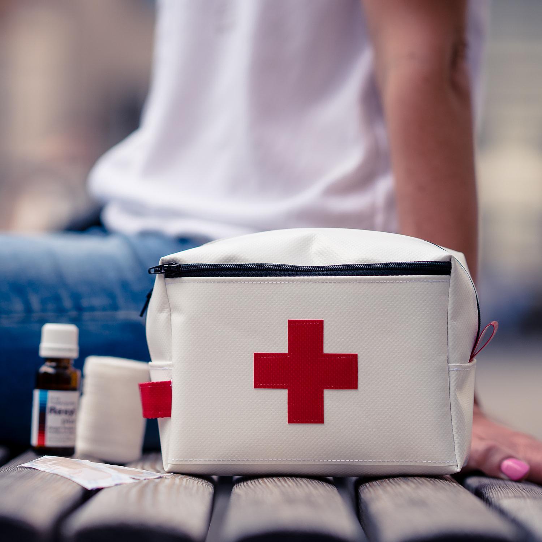 Mittelgrosse Apotheke/ Notfalltasche von amdara aus Blache