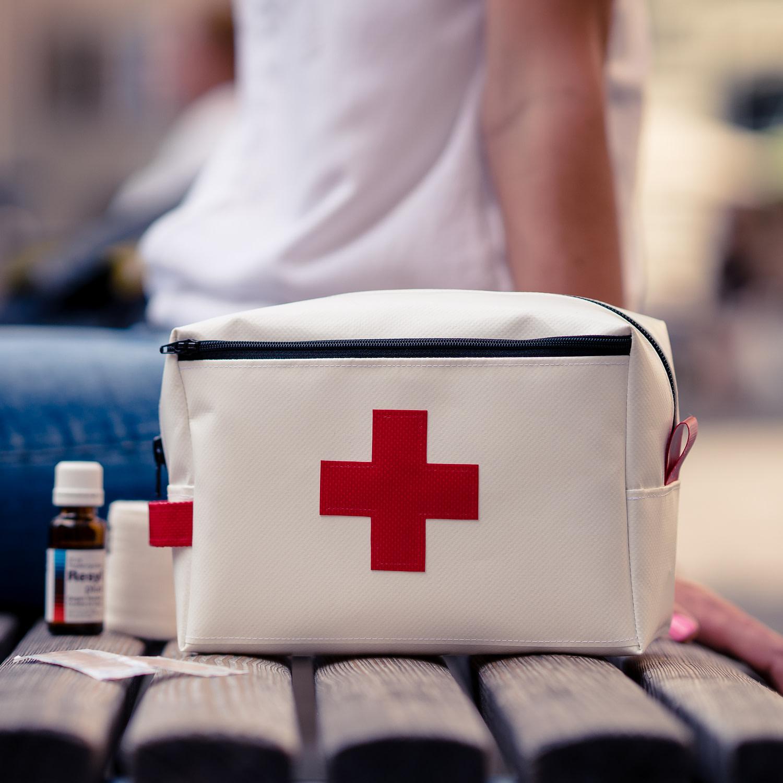 Grosse Apotheke/ Notfalltäschchen für daheim und auf Reisen