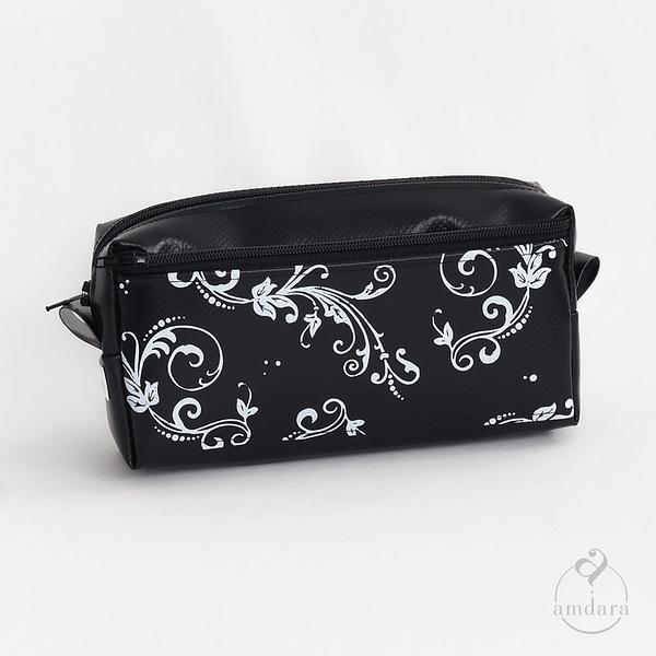 Stiftetui Manju - Ornament Print weiss auf schwarz