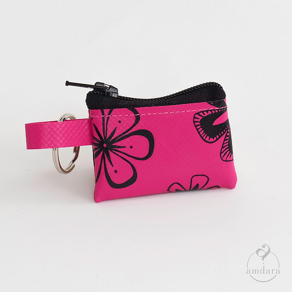 Münzanhänger Mini, Mini Portmonee aus Blache, Blumen auf pink